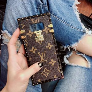 Louis V Phone Case